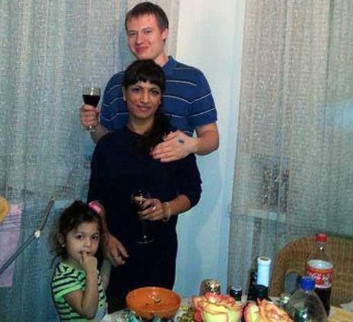 Юрий Глазьев и Фируза Савушкина с дочерью