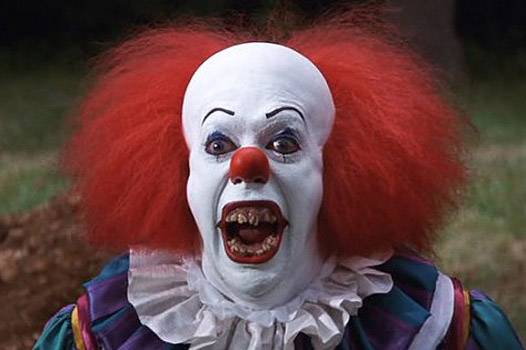 Что за клоуны нападают на людей?