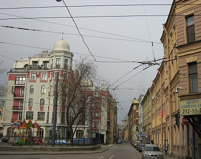 Начало Бармалеевой улицы