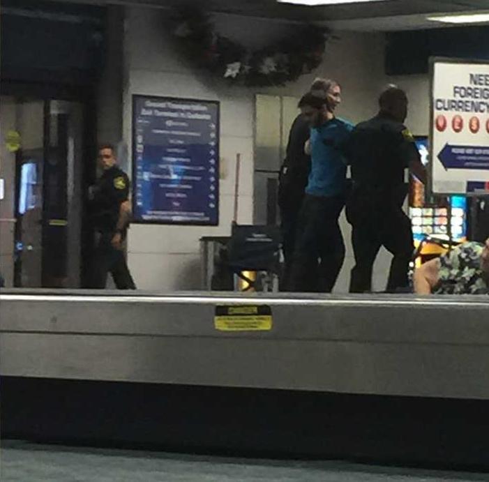 Эстебан Сантьяго, открывший стрельбу в международном аэропорту Флориды. Фото