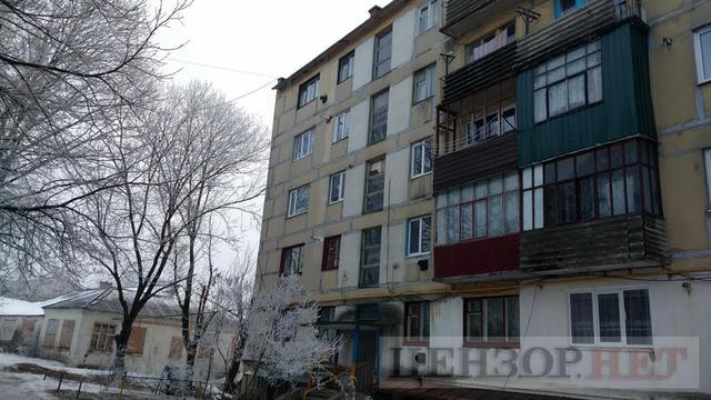 Окна квартиры Уткиных – на третьем этаже с пластиковыми рамами