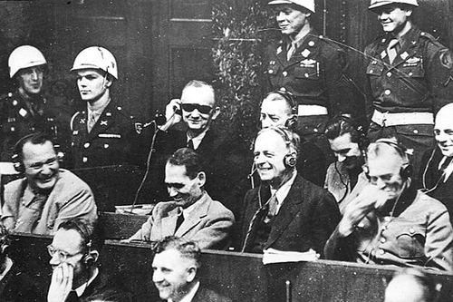 Смех подсудимых  на нюрнбергском процессе