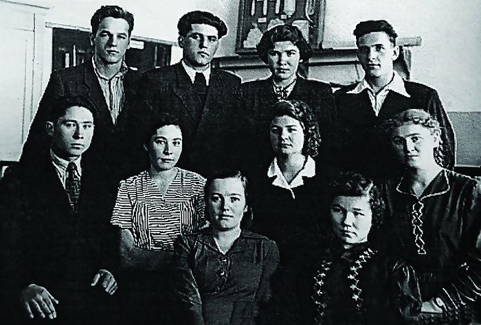 Алексей Ноздрин в техникуме (первый справа в верхнем ряду). Источник: сайт pravoslavie.ru